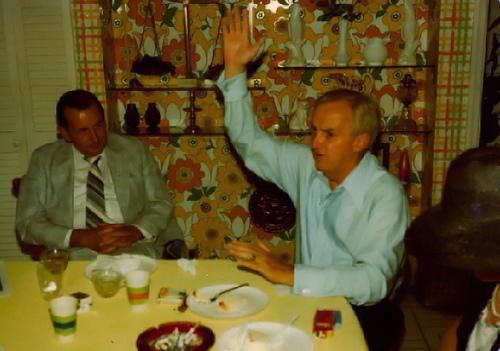 DadTalkinginBrookeville.jpg by you.