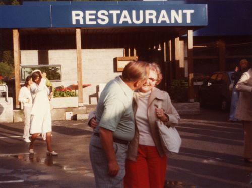 1978GandKKissingatRestStopJune